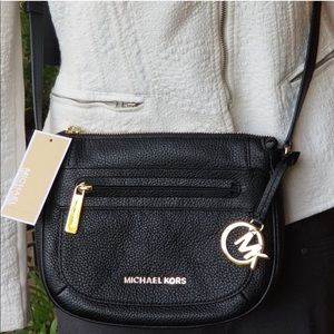 AUTHENTIC Michael Kors Med. Leather Crossbody Bag!
